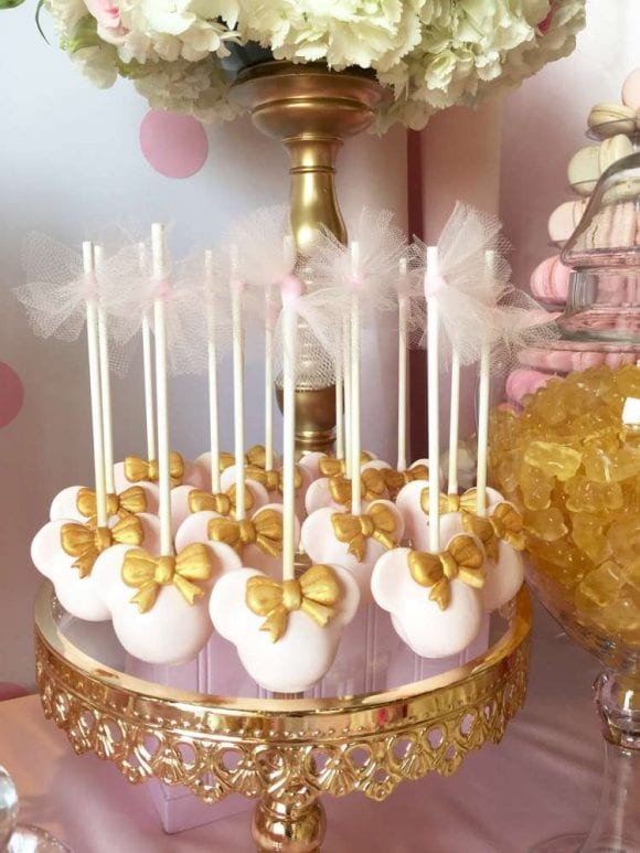 Minnie Mouse Cake Pops | CatchMyParty.com