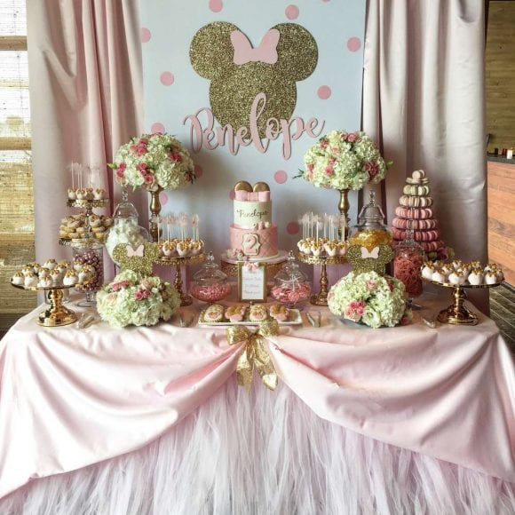 Minnie Mouse dessert table | CatchMyParty.com