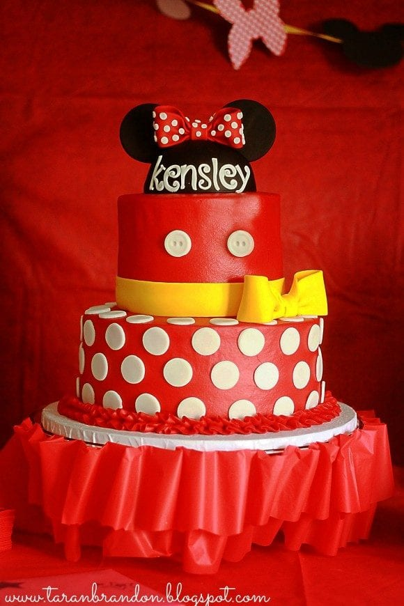 Amazing Minnie Mouse Cakes! | CatchMyParty.com