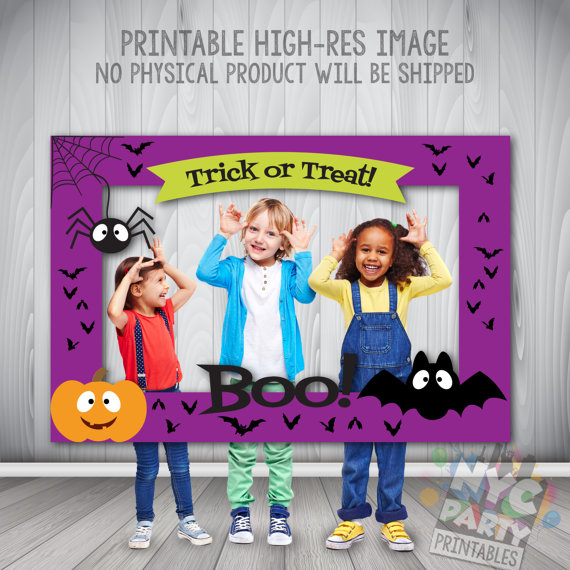 Halloween photo booth frame | CatchMyParty.com