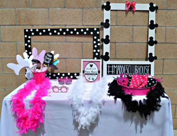 Minnie Mouse Photo Booth Props | CatchMyParty.com