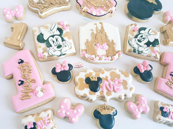 Minnie Mouse Cookies | CatchMyParty.com