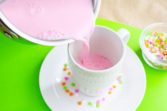 Pour the vanilla steamer into the mug | CatchMyParty.com