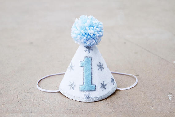 Winter party hat | CatchMyParty.com