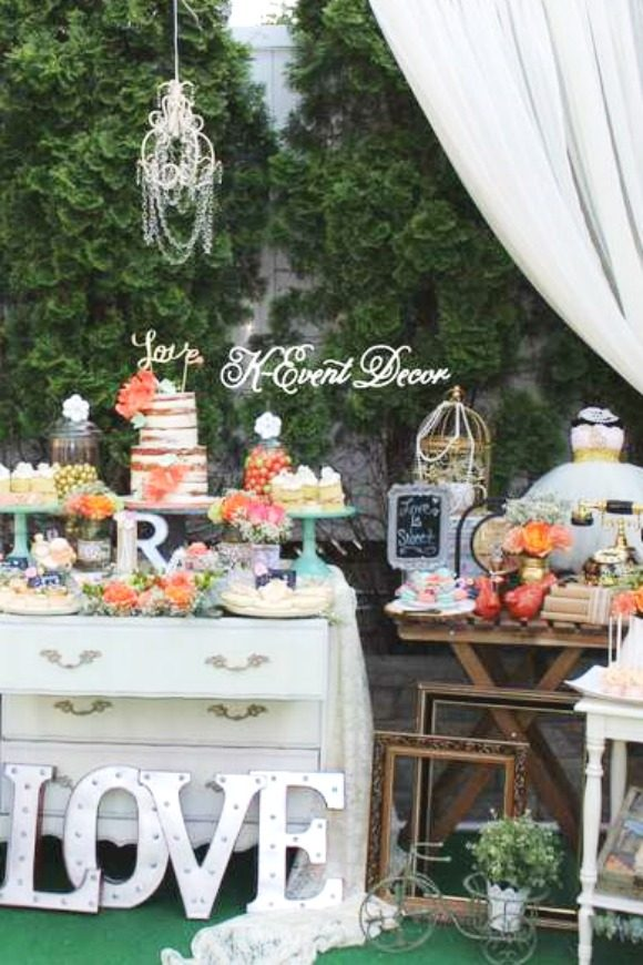 Vintage bridal shower | CatchMyParty.com