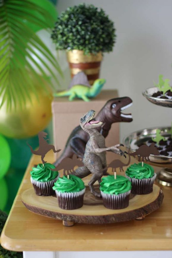 Dinosaur birthday party I CatchMyParty.com