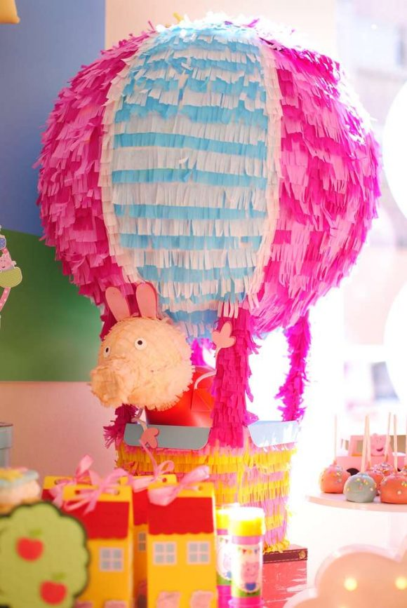 Peppa Pig birthday party I CatchMyParty.com