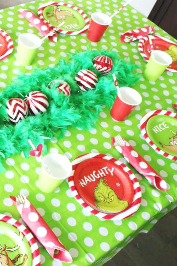 The Grinch Table Settings | CatchMyParty.com