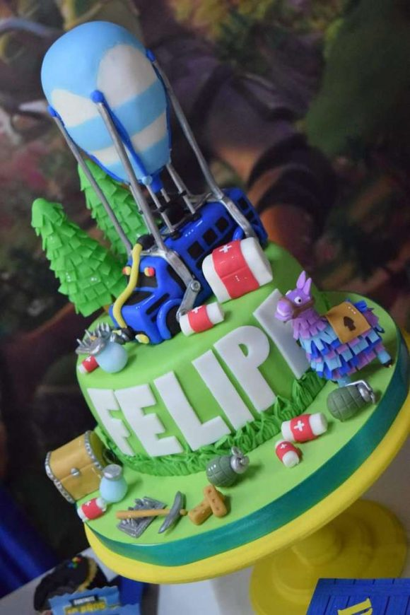 Fortnite Birthday Cake | CatchMyParty.com