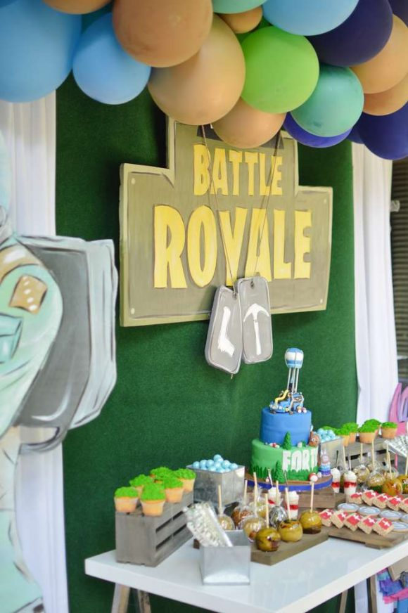 Fortnite Dessert Table | CatchMyParty.com
