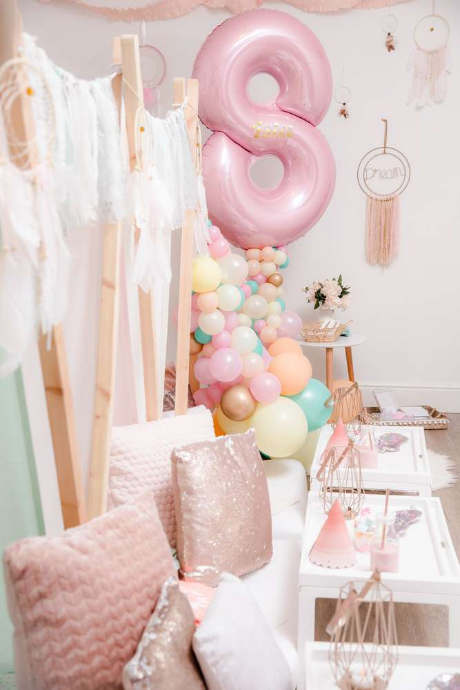 Gorgeous balloon party decorations at Boho birthday party
