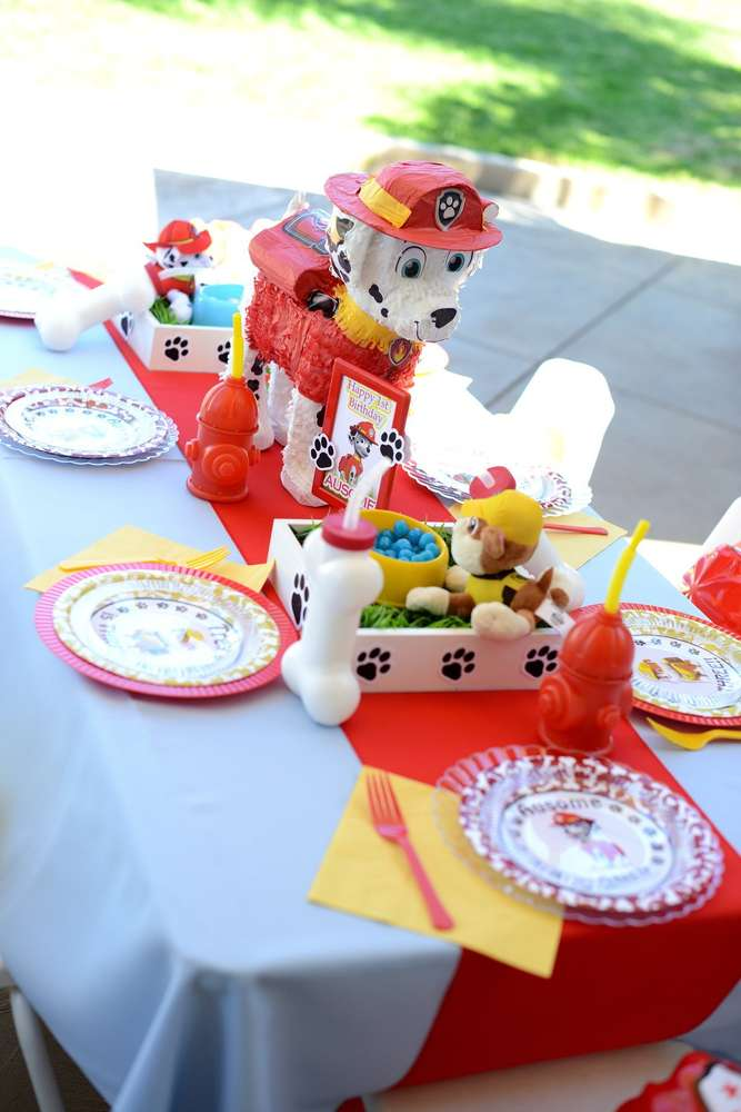 Table Settings at Paw Patrol birthday party