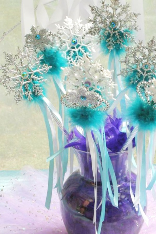 Gorgeous Frozen DIY Wands
