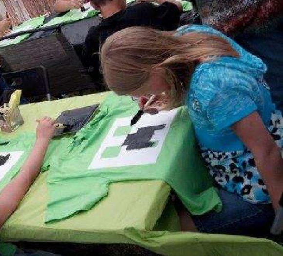 Painting Minecraft T-Shirt