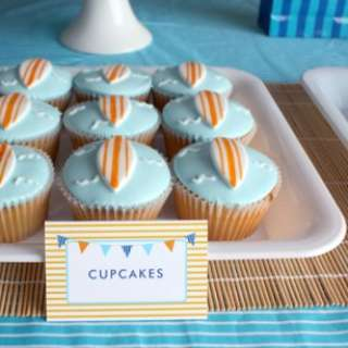Surf-board-cupcakes-465x307