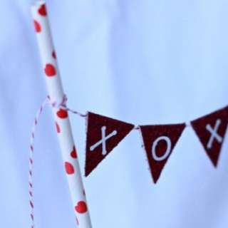Valentines-day-etsy-mini-bunting-banner-domestic-charm-465x310