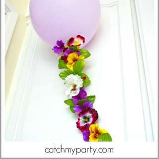Balloon-flower-garland-hero-580x2293