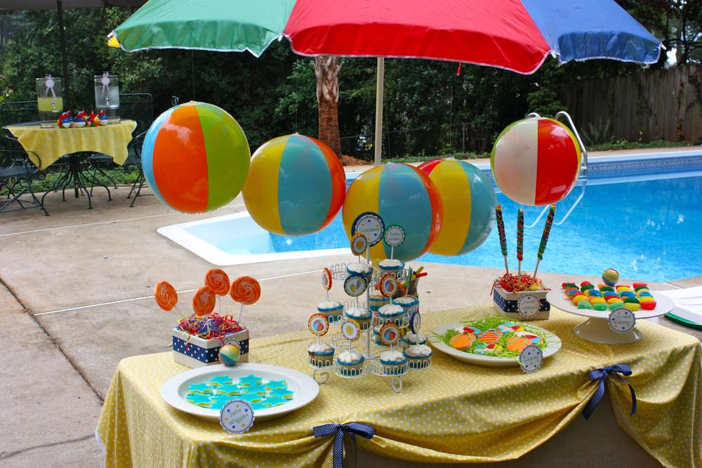 Pool summer party ideas photo 2 of 16 catch my party - Adornos para piscinas ...