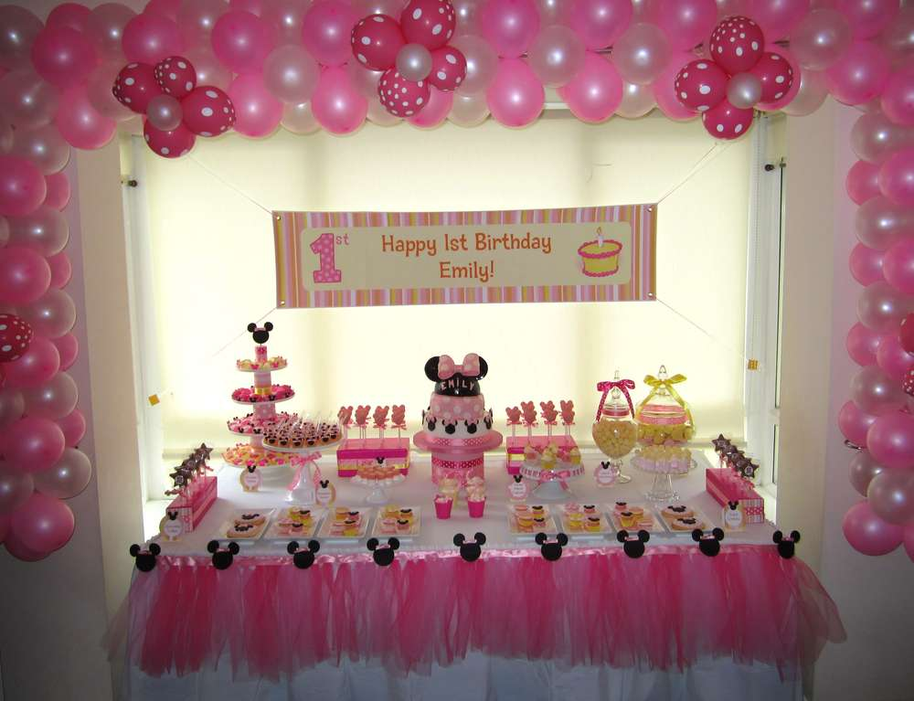 Minnie mouse birthday party ideas photo 1 of 15 catch for Baby first birthday decoration ideas
