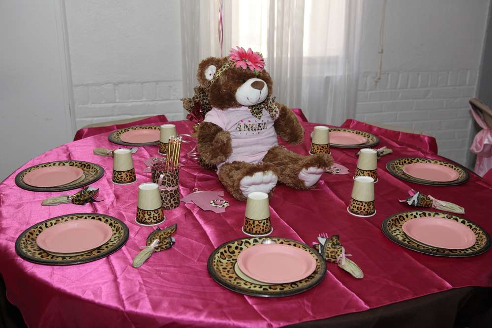 Pink and leopard baby shower party ideas photo 10 of 23 for Animal print party decoration ideas