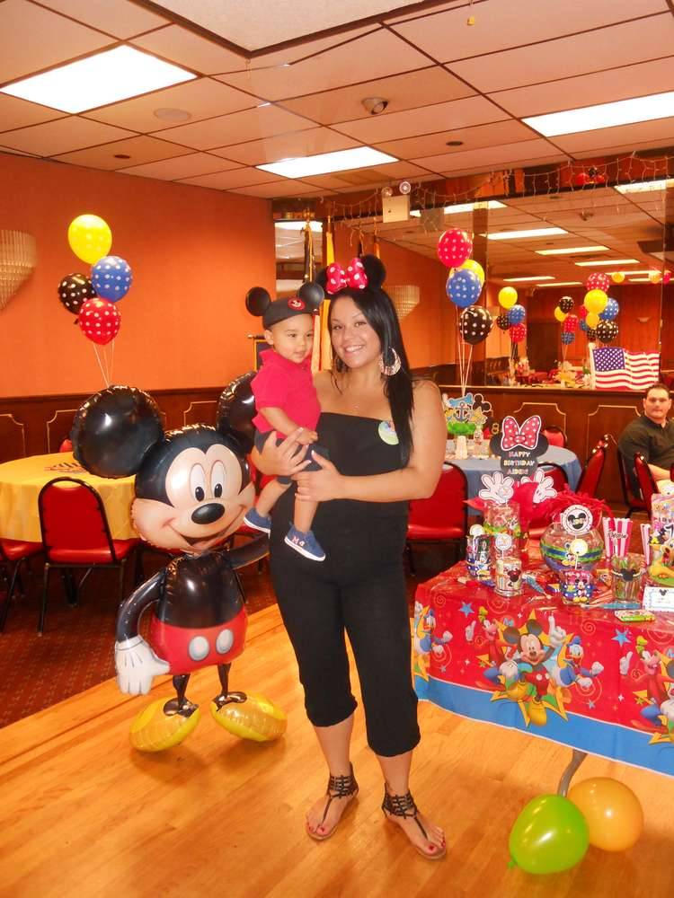 Mickey Mouse Clubhouse Birthday Party Ideas | Photo 3 of 38 ...