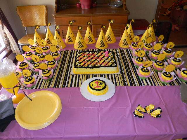 Baby Bs 1st Bee Day Party