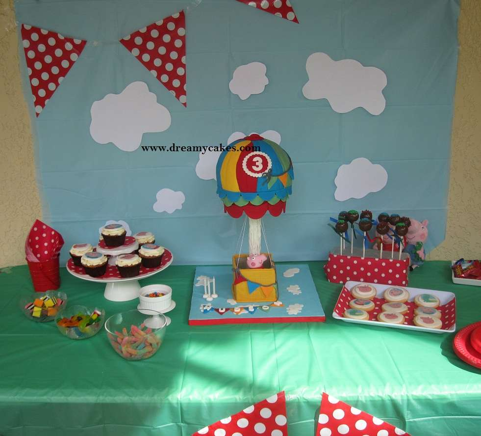 Peppa pig birthday party ideas photo 5 of 6 catch my party for Peppa pig decorations