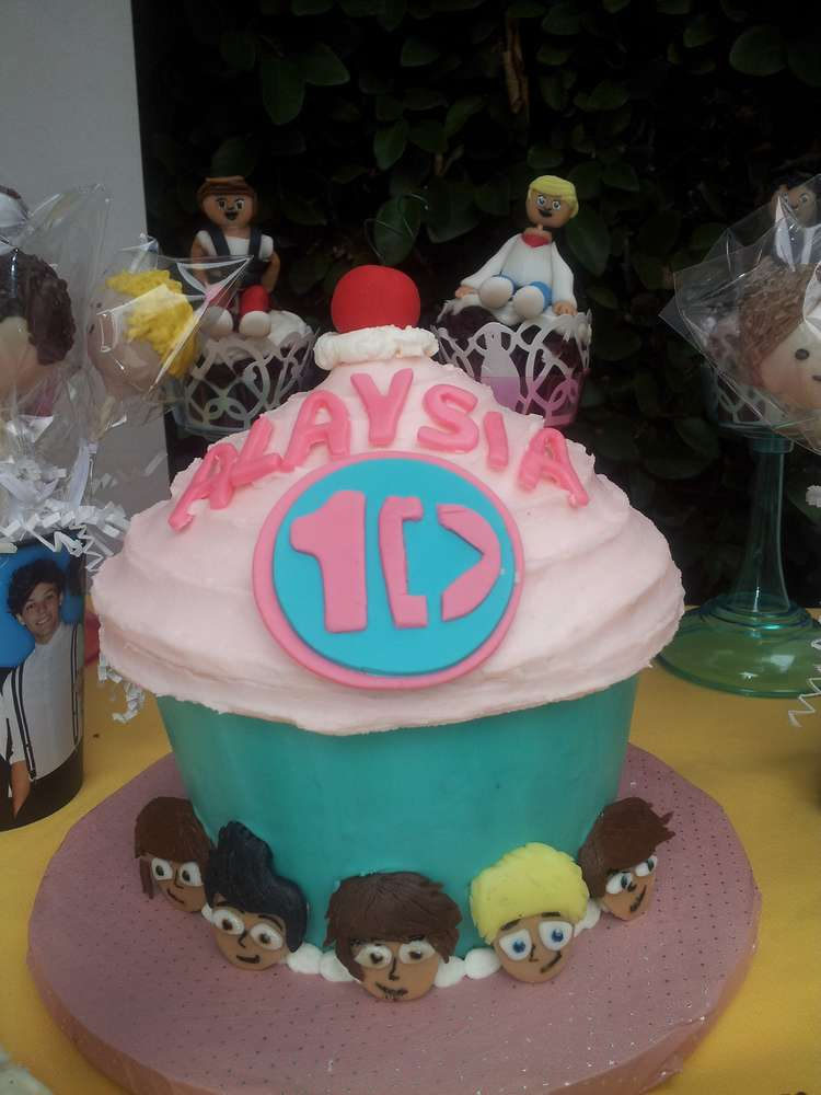 Wondrous One Direction Cup Cake Party Birthday Party Ideas Photo 3 Of 10 Personalised Birthday Cards Paralily Jamesorg