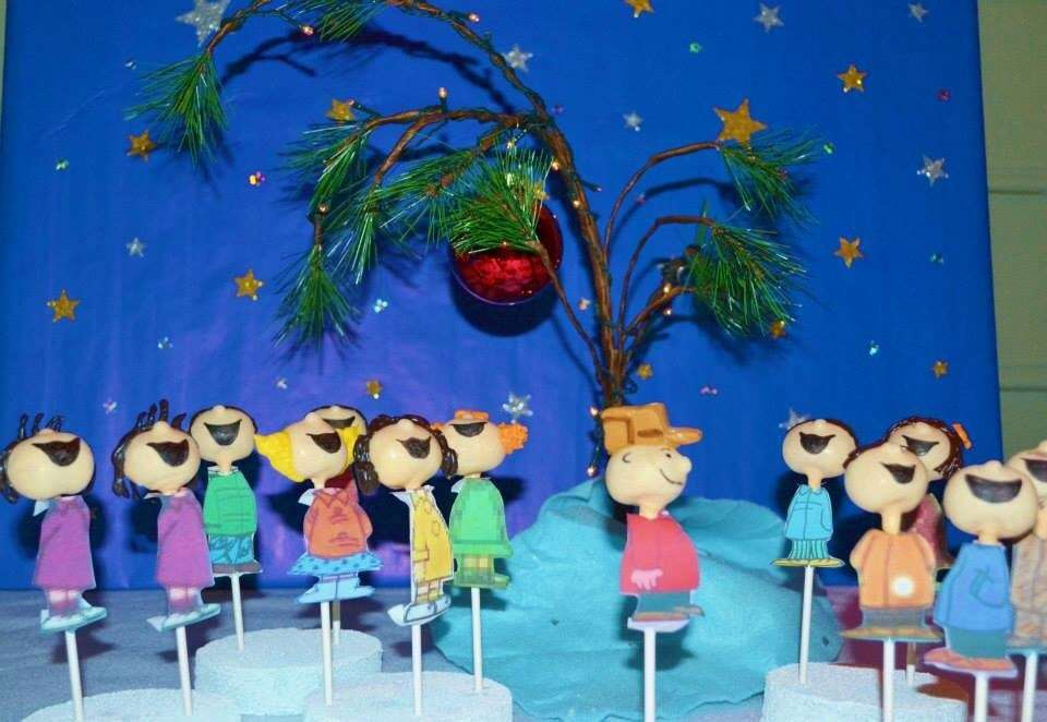 a charlie brown christmas outdoor showing - Charlie Brown Christmas Decorations