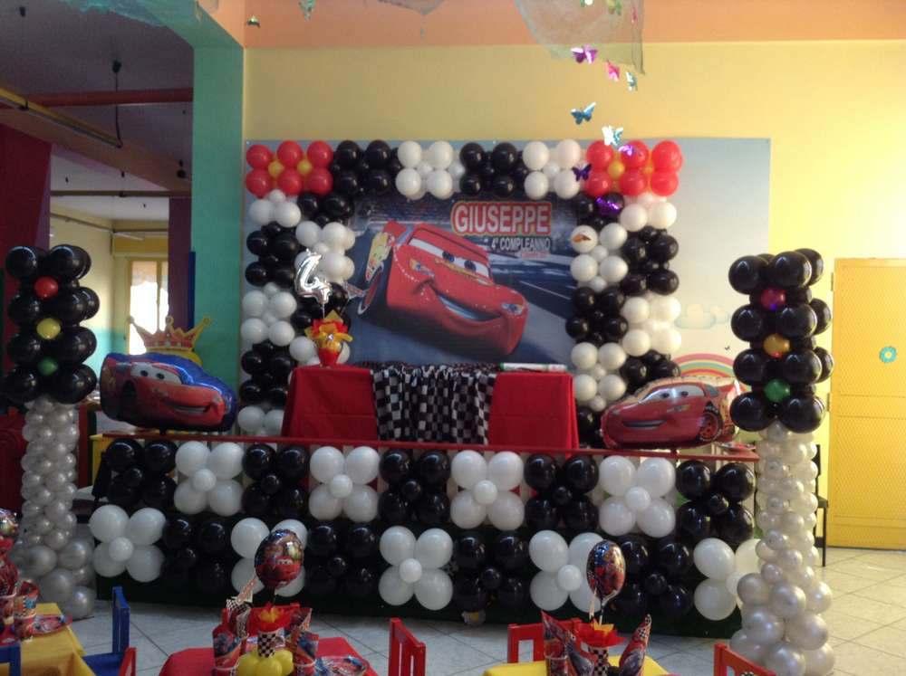 Disney cars 2 birthday party ideas photo 1 of 22 catch for Balloon decoration cars theme