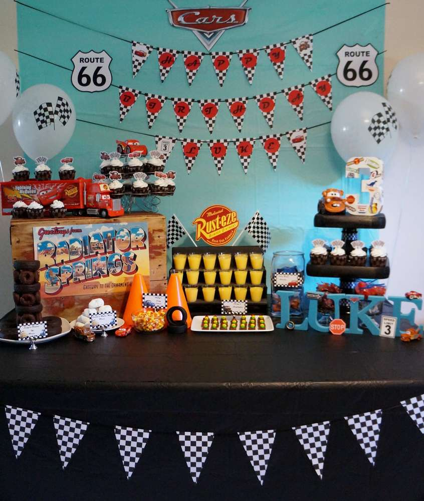 Disney cars birthday party ideas photo 2 of 40 catch - Como decorar una fiesta infantil ...