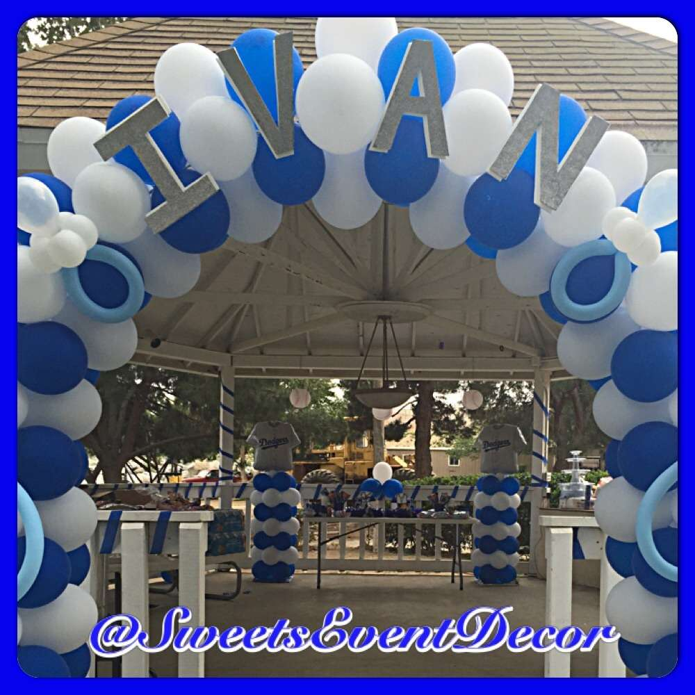 dodgers baseball baby shower party ideas photo 4 of 11 catch my party. Black Bedroom Furniture Sets. Home Design Ideas
