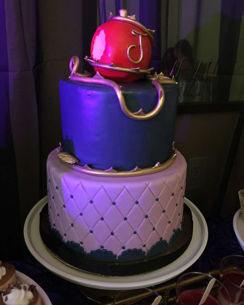 Disney S Descendants Birthday Party Ideas Photo 5 Of 11