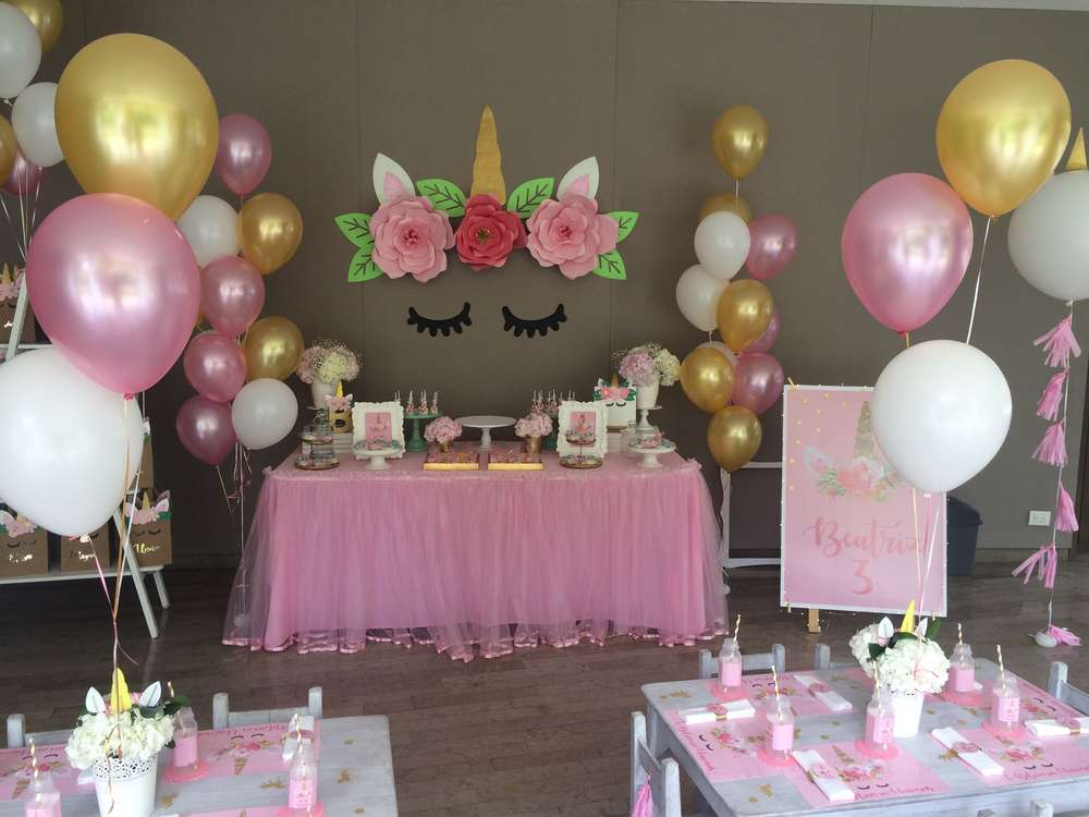 Unicorn birthday party ideas photo 14 of 36 catch my party for Decoracion para pared unicornio