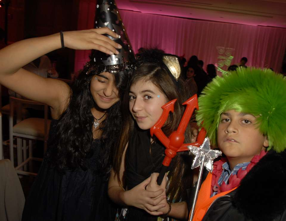 Jenna's Totally Fun Bat  Mitzvah - Girls Having Fun