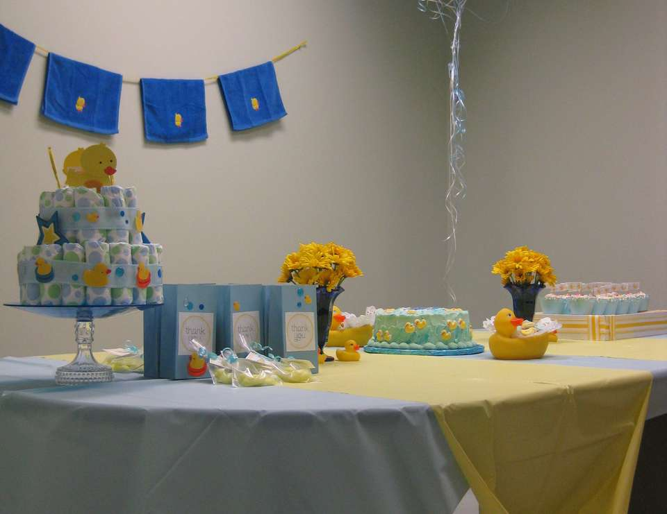 duckies and daisies baby shower - Rubber Ducky