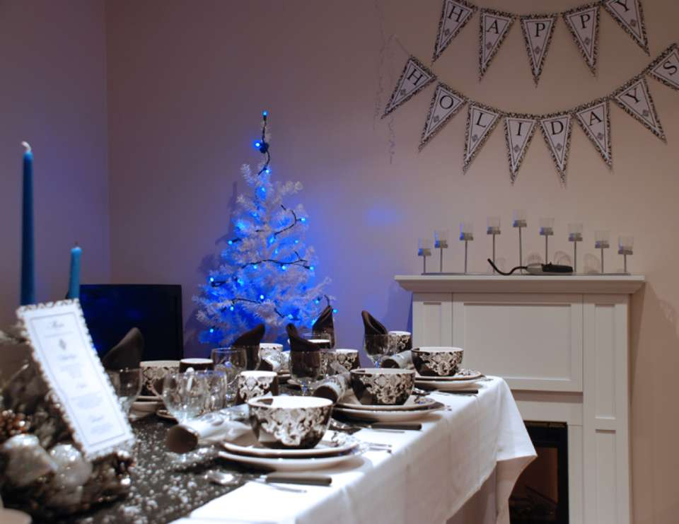 Christmas Dinner Party - French Damask