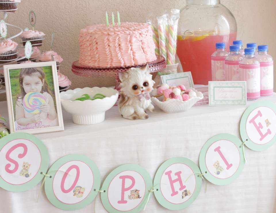 Sophie's purrrrfect party - Vintage Kitty