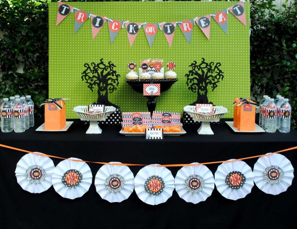 Halloween Party Tablescape - None