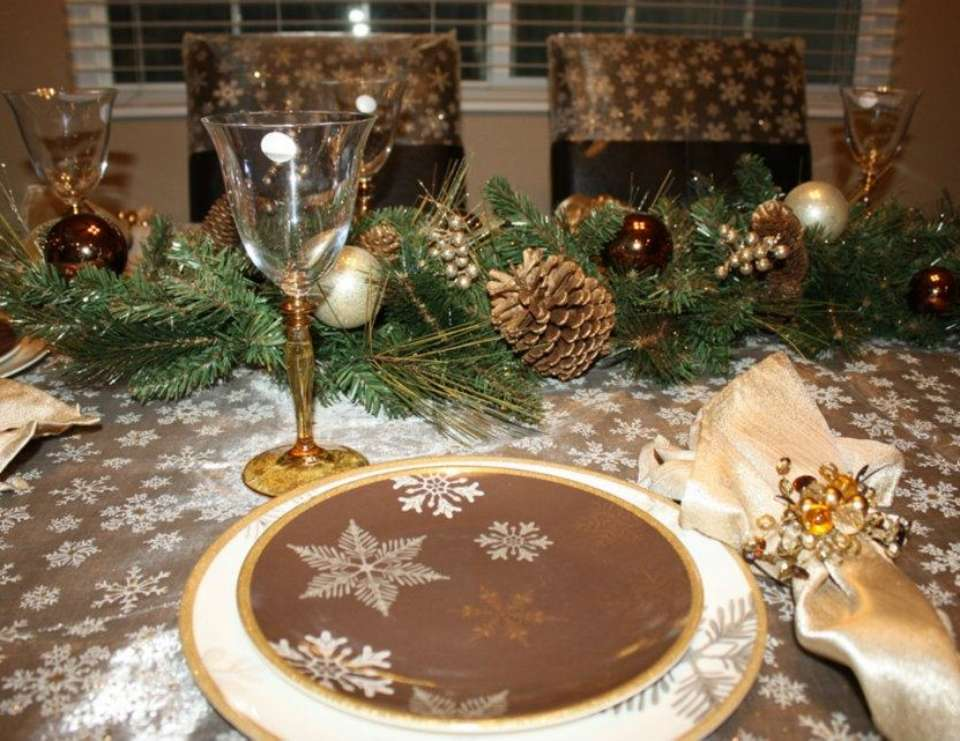 Christmas Tablescaping - Golden Snowflakes