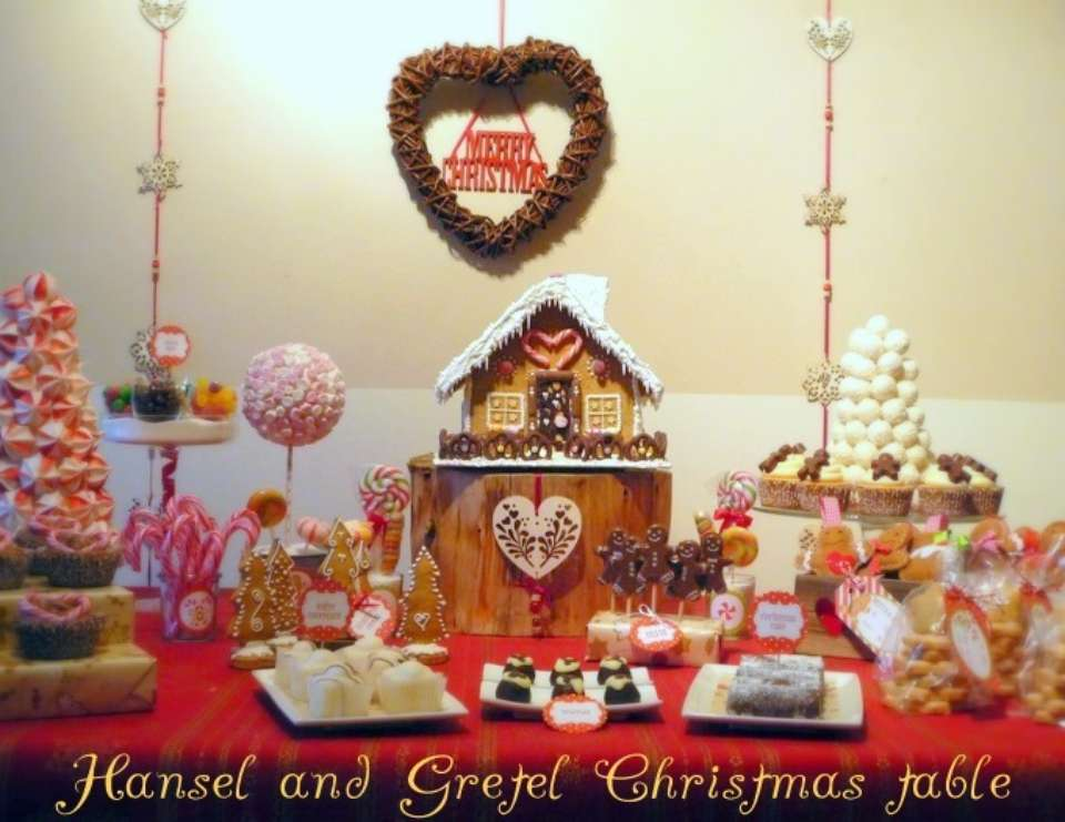 Hansel And Gretel Christmas table - None