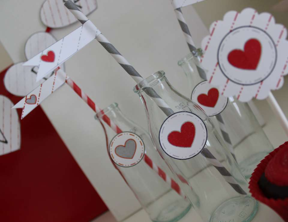 Valentines Printable - Red & Grey Hearts