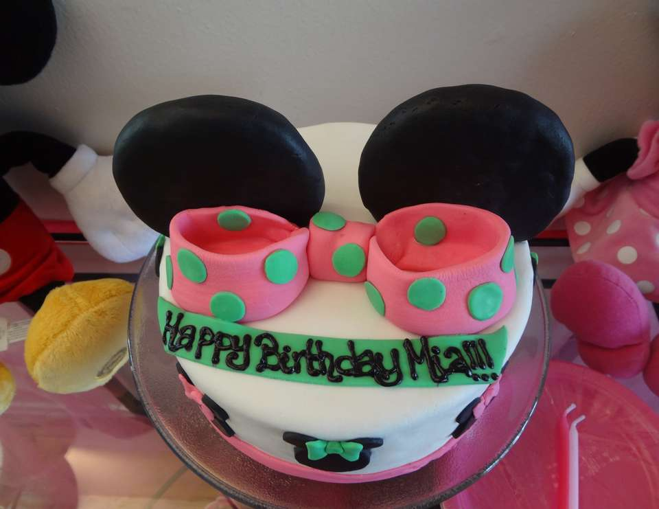 Mia's 2nd Birthday - Minnie's Bow-tique