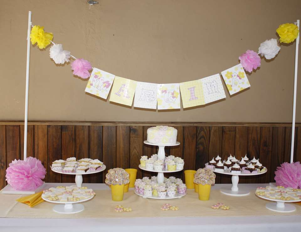 Marti´s First Communion - Pink and Yellow Flowers