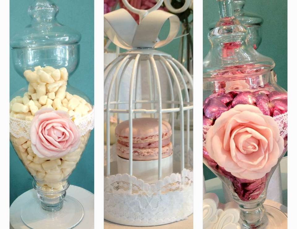 MAREES  BRIDAL SHOWER - PINK & WHITE VINTAGE
