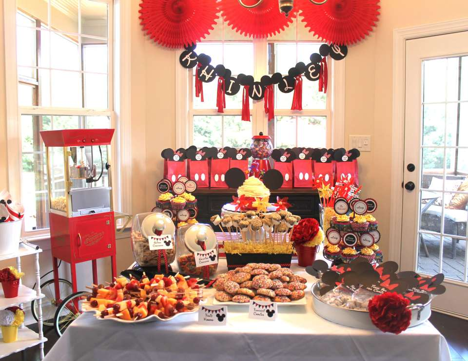 Mickey Mouse 2nd Birthday Party - Minnie Mouse Polka dots