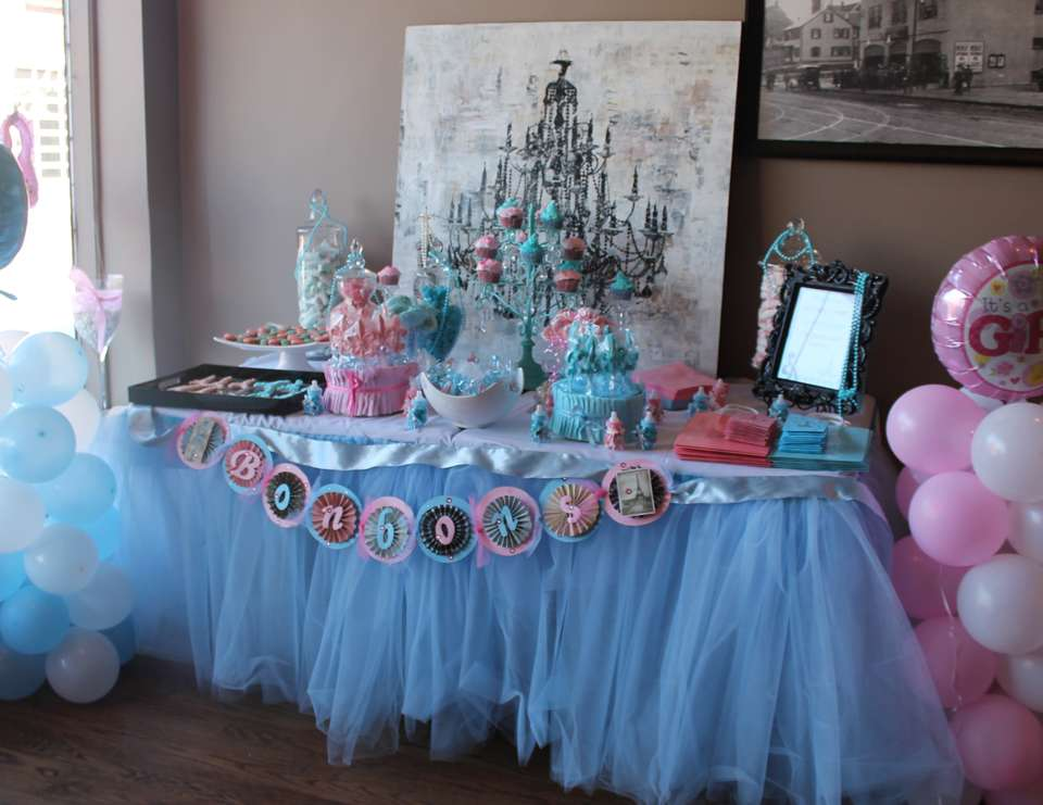 Parisian Bebe Shower/Gender reveal party - Paris