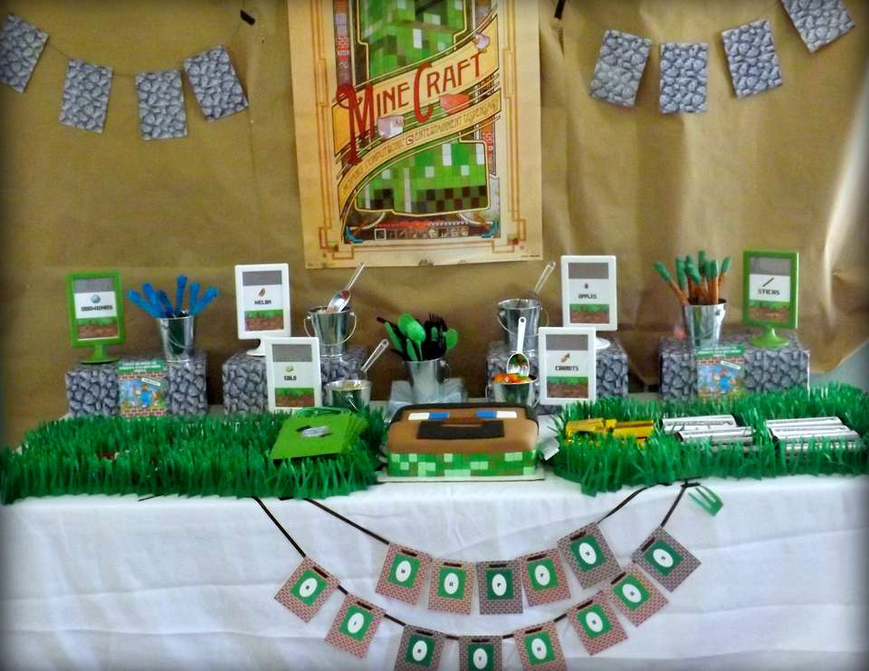 Minecraft Themed Party - Minecraft