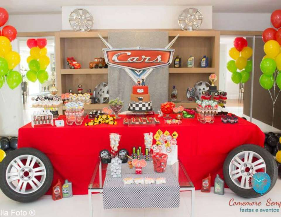 Cars party in a Double celebration. The passion of father and Son.  - Cars - Disney