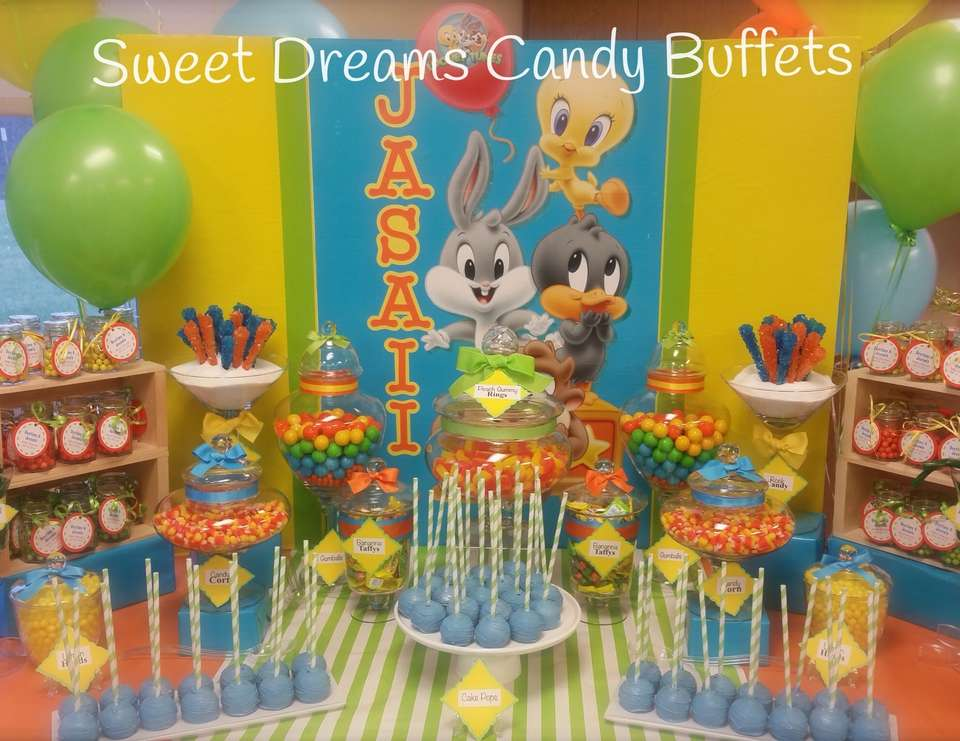 Baby looney tunes baby shower baby looney tunes baby for Baby looney tune decoration